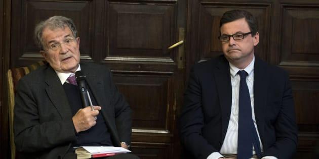"""Romano Prodi e Carlo Calenda durante la presentazione del libro di Enrico Giovannini """"L'utopia sostenibile"""", Roma, 14 marzo 2018. ANSA/MASSIMO PERCOSSI"""