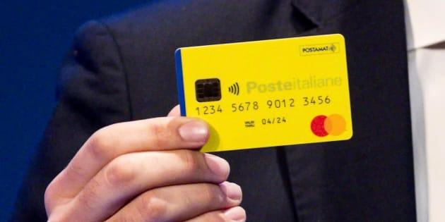 La prima card del reddito di cittadinanza, presentata da Di Maio