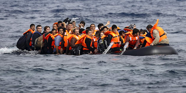 Traficante atira 120 pessoas no mar; 29 corpos são achados