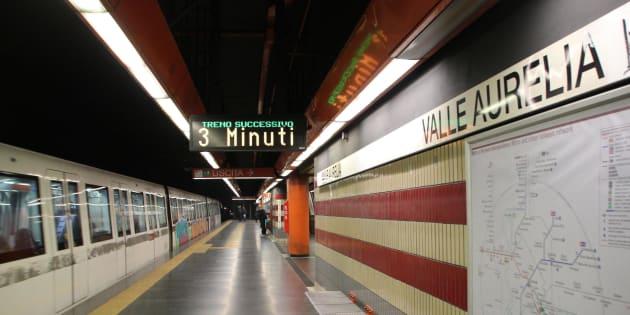 La metro di Roma va in tilt nel giorno del blocco del traffico. Disagi sulla linea A: chiusa la tratta tra le stazioni di Termini e Battistini