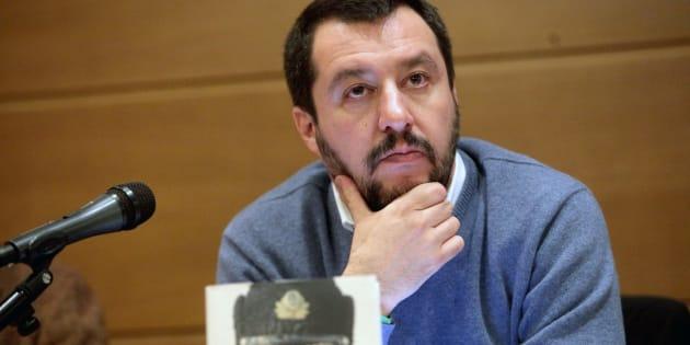 """Il segretario della Lega Nord, Matteo Salvini, alla presentazione del libro di Gennaro Sangiuliano """"Putin. Vita di uno Zar"""", Milano, 21 dicembre 2015.  ANSA/MOURAD BALTI"""