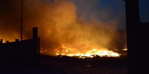 Incendi tra Letojanni e Taormina, chiusa la A18 in direzione Catania