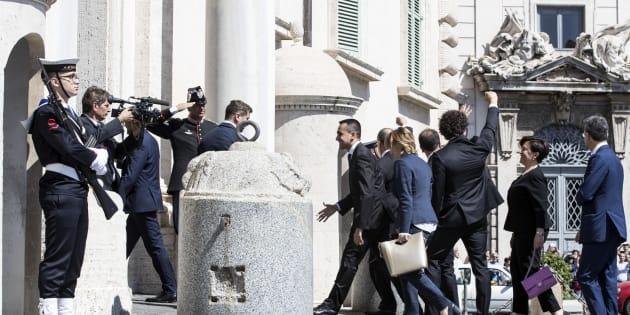 Il Ministro dello Sviluppo Economico e Lavoro Luigi Di Maio, con il suo gruppo di neo ministri entrano al Quirinale per il giuramento 1 giugno 2018 a Roma ANSA/MASSIMO PERCOSSI