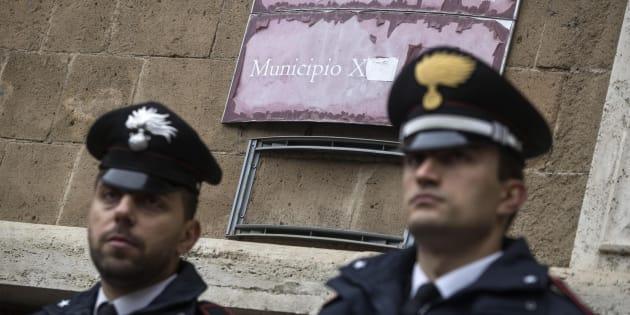 Ostia, tre arresti per corruzione: un funzionario del municipio e due imprenditori