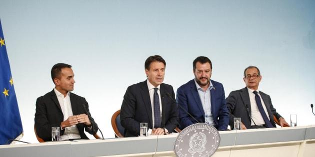 Lo spread cala  Salvini |   Migliora vita italiani   Di Maio |   Governo può