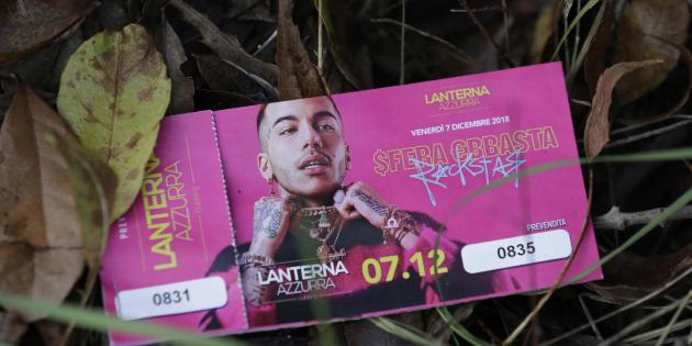 Un biglietto del djset di Sfera Ebbasta