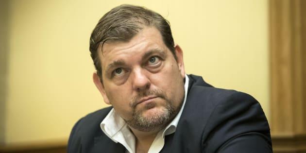 Solidarietà bipartisan per il regista Ambrogio Crespi alla vigilia della sentenza. Un processo tra dubbi e ...