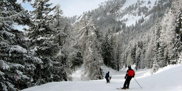 Valanga nelle Alpi Svizzere: una decina di sciatori travolti a Crans Montana