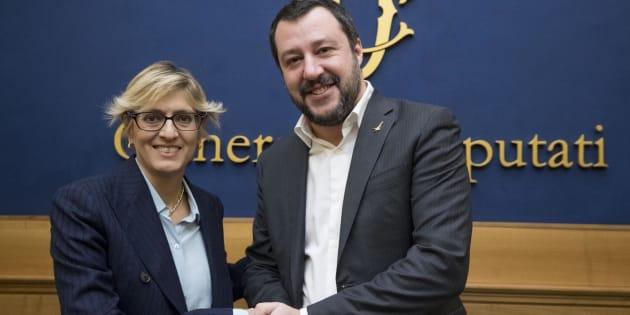 L'avvocato Giulia Buongiorno e il segretario della Lega, Matteo Salvini, durante una conferenza presso la sala stampa della Camera, per presentare l'adesione della Buongiorno al partito della Lega. Roma, 18 gennaio 2018. ANSA/CLAUDIO PERI