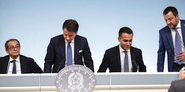 Svegliatevi ITALIANI tutti: stiamo diventando l'Argentina del Mediterraneo (nel vostro silenzio complice)