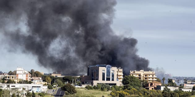 Ecox in fiamme a Pomezia, Pontina in tilt