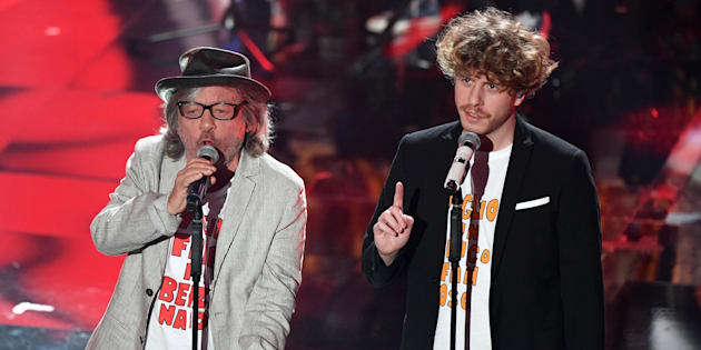 Italian band Lo Stato Sociale with Italian actor Paolo Rossi (L) perform on stage during the 68th Sanremo Italian Song Festival at the Ariston theatre in Sanremo, Italy, 09 February 2018. The 68th edition of the television song contest runs from 06 to 10 February. ANSA/ETTORE FERRARI