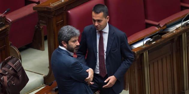 Luigi di Maio (d) e Roberto Fico (s) durante la discussione sulla riforma della legge elettorale alla Camera dei Deputati, Roma, 8 giugno 2017. ANSA/GIORGIO ONORATI