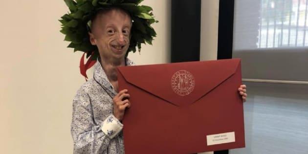Sammy Basso si laurea in scienze naturali all'università di Padova