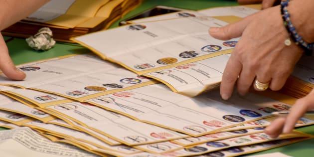 Consulta:voto estero,causa inammissibile