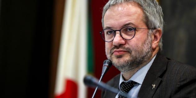 Si torna a parlare EXIT UE SI ritorna a prospettare l'uscita dell'Italia dall'Unione europea. LORO GIOCANO, SI DIVERTONO... E NOI AFFONDIAMO.