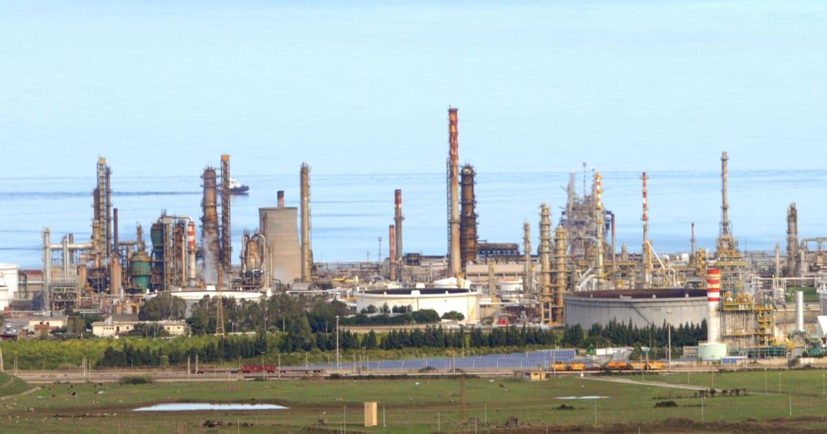 Maxi evasione fiscale sulle accise, la Guardia di Finanza sequestra depositi e raffinerie dell'Eni: 18 indagati