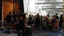 Fuga dei turisti da Ischia dopo il terremoto. Assalto ai traghetti: