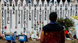 I parenti delle vittime della sparatoria di Sandy Hook criticano la NBC per aver intervistato il cospiratore Alex