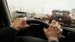 Este país repleto de autos será el primero en dar transporte público gratuito para