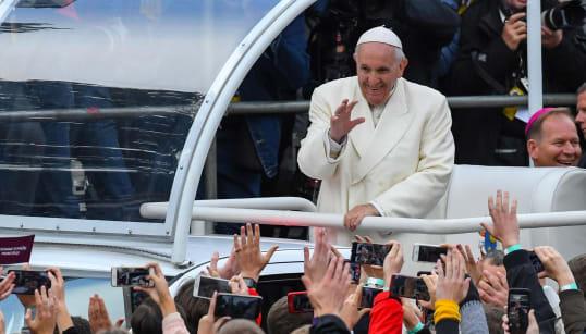 ACCORDO SUI VESCOVI - Cina e Vaticano fanno la storia (di M. A.