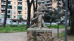 Oltraggiato con una svastica monumento simbolo della Resistenza a