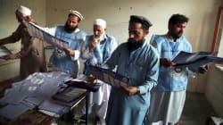 Afghanistan, un voto nel vuoto. E nel sangue (di U. De