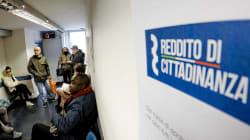 A Napoli tutti in fila per il Reddito: nella città più richieste che in tutta la