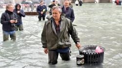 Acqua alta a Venezia, raggiunti i 156 centimetri. Brugnaro evacua piazza San