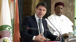 Conte in Niger, sferza l'Europa e promette aiuti per fermare i mercanti di uomini (di U. De