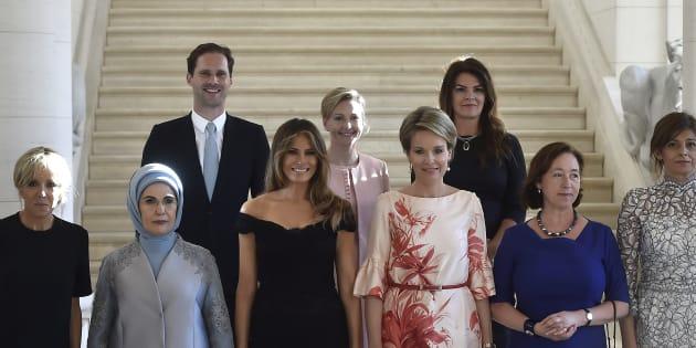 Marido de ministro de Luxemburgo posa ao lado de primeiras-damas