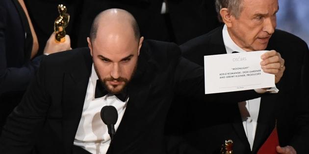 """Le producteur de """"La La Land"""", Jordan Horowitz, le 26 février à la cérémonie des Oscars."""