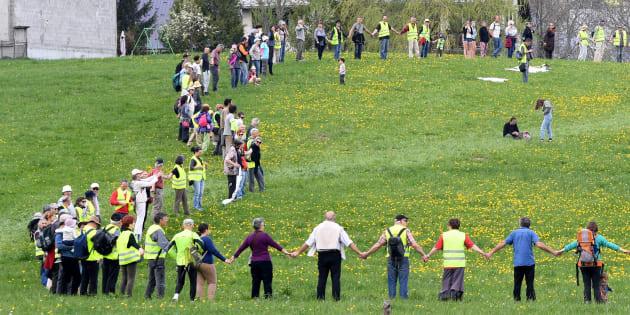 Une chaîne humaine et des rassemblements contre les compteurs Linky