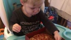 L'astuce de cette maman pour faire manger son garçon est à la fois diabolique et très