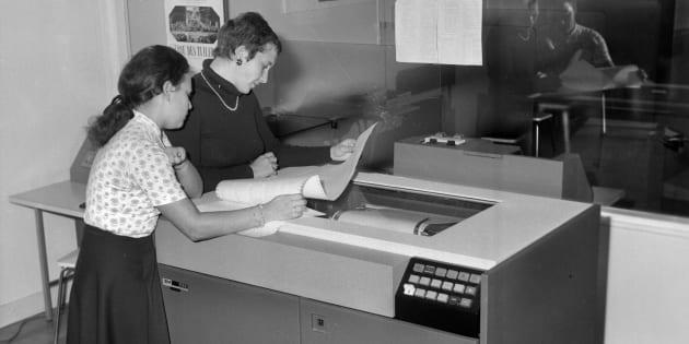 FRANCE - 1970:  Printer of computer IBM 1132. France, 1970.  (Photo by LAPI/Roger Viollet/Getty Images)