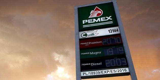 A pesar del riesgo que implica, la afronta del gobierno federal a los ladrones de combustible puede ser una decisión favorable, manifestaron analistas.