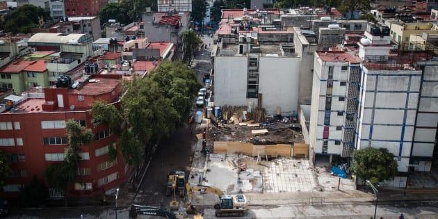 Une vue aérienne d'un bâtiment tombé après le séisme de magnitude 7,1 à Mexico.