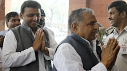 Akhilesh Yadav Meets His Father For The 2nd Time After EC Order On 'Cycle'