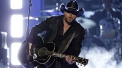 Fusillade de Las Vegas: le message de Jason Aldean, le chanteur de country qui se produisait sur