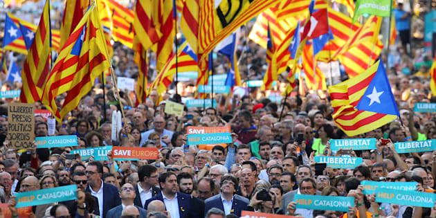 Catalogne: 450.00 personnes manifestent à Barcelone pour réclamer l'indépendance