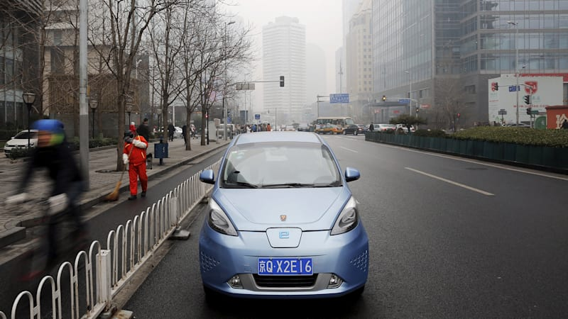 China sets 2019 deadline for automakers to meet green-car sales targets