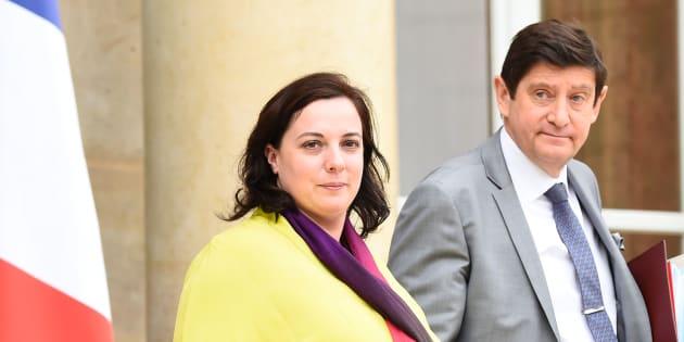 Emmanuelle Cosse et Patrick Kanner sortent de l'Elysée le 27 juillet 2016 après une réunion avec François Hollande à la suite de l'attentat de Saint-Etienne-du-Rouvray.