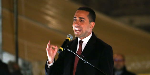 5-Star party leader Luigi Di Maio speaks during the finally rally ahead of the March 4 elections in downtown Rome, Italy, March 2, 2018. REUTERS/Tony Gentile