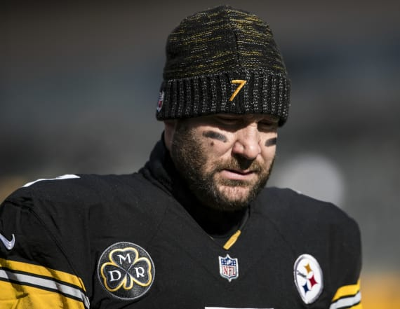 Steelers put Roethlisberger in concussion protocol