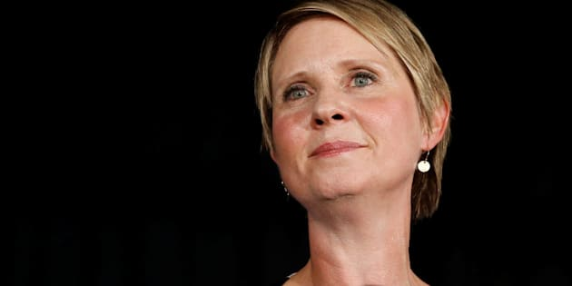"Cynthia Nixon, Miranda dans ""Sex and the City"", battu par Andrew Cuomo à la primaire démocrate de New York"