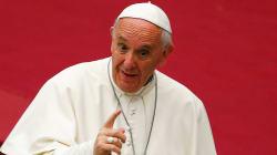 Pour le pape, lire la presse people revient à... manger des