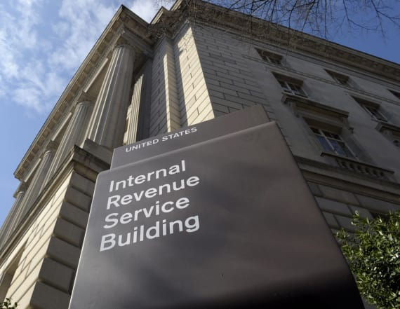 IRS to recall 36,000 employees to work without pay
