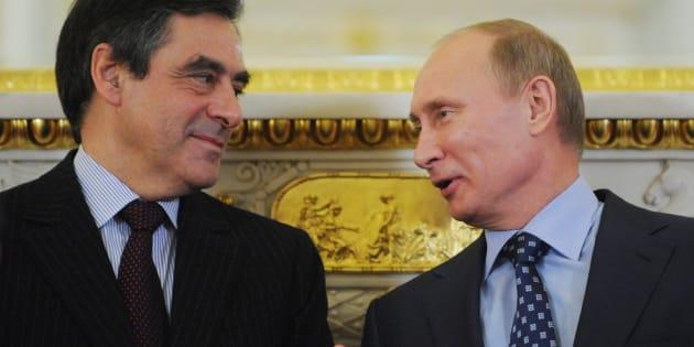 """François Fillon veut """"nouer"""" un dialogue avec Moscou."""