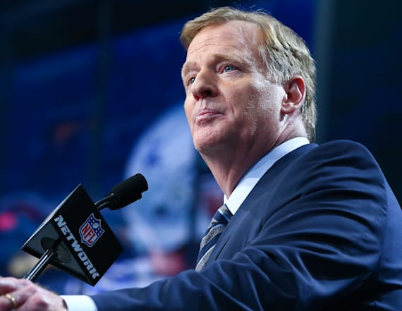 Report: NFL owners didn't vote on anthem rule
