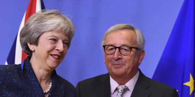 "Brexit, Juncker gela May: ""L"
